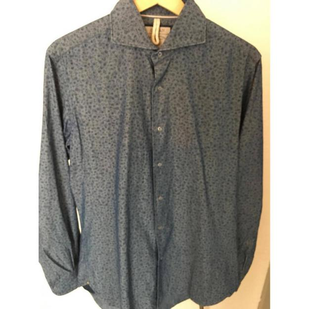 Orian shirt in blue with flower details